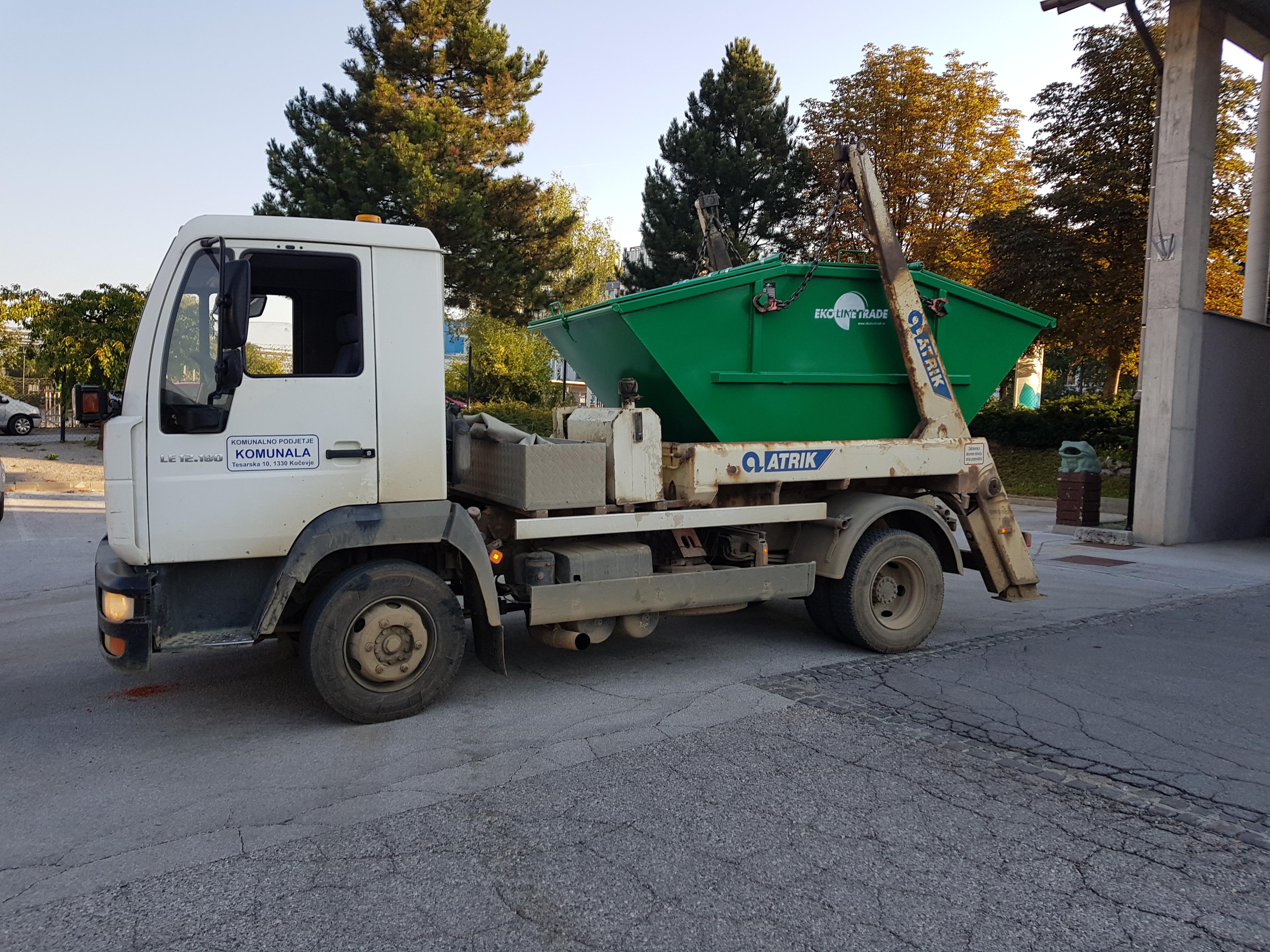 vozilo za izvajanje kontejnerskega odvoza